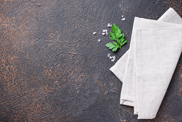 ナプキンとパセリの料理の背景