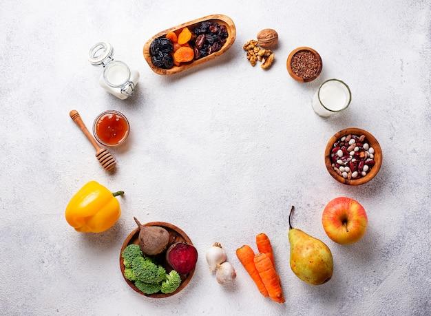 健康な腸のための製品。腸のための食物