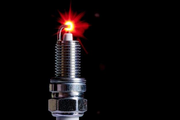 内燃機関用の点火プラグ。コピースペース。