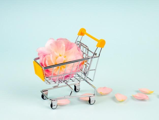 花とショッピングトロリー