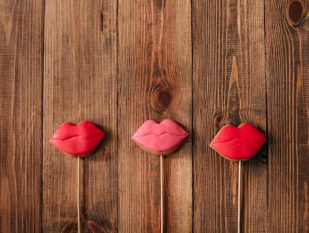 唇の赤いスティックジンジャーブレッド