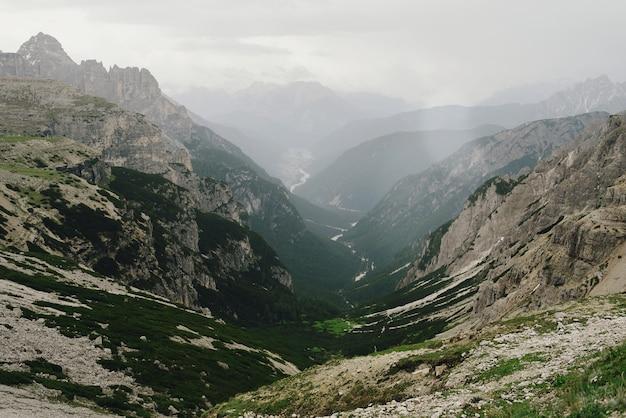 イタリアのドロミテの美しい景色
