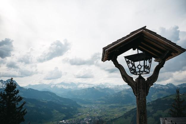 スイスの山の美しい自然