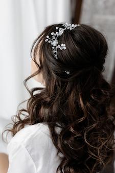 Свадебная прическа крупным планом