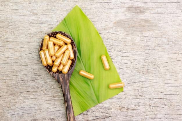 健康的な食事のためのハーブからの代替ハーブサプリメント