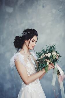 優しい花嫁ブルネット