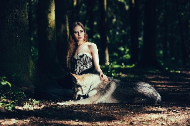 Женщина собаки