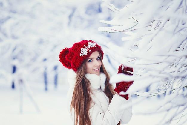 Женский зимний портрет