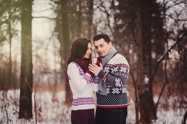 幸せなカップルの肖像画