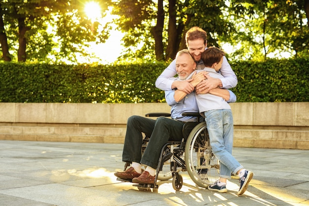 障害者のための援助家族関係。