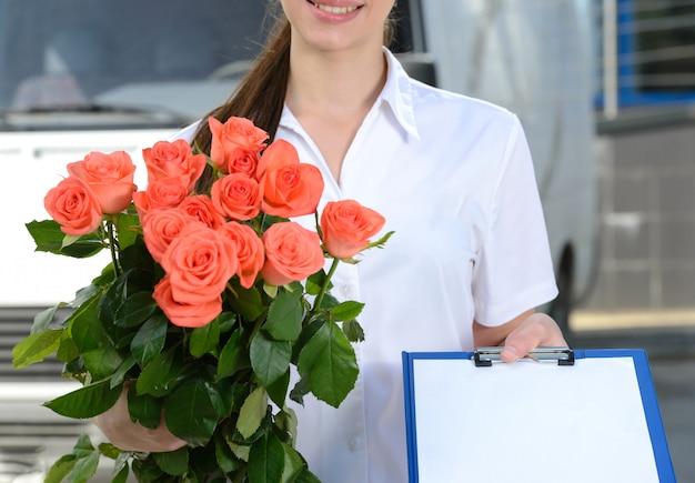 宅配便の花