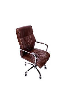 白で隔離される茶色の革オフィスチェア