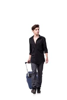 白で隔離旅行の概念の若い男