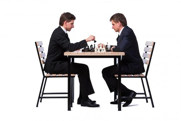 双子の兄弟が白で隔離チェス