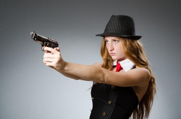 Женщина в винтажной концепции фото