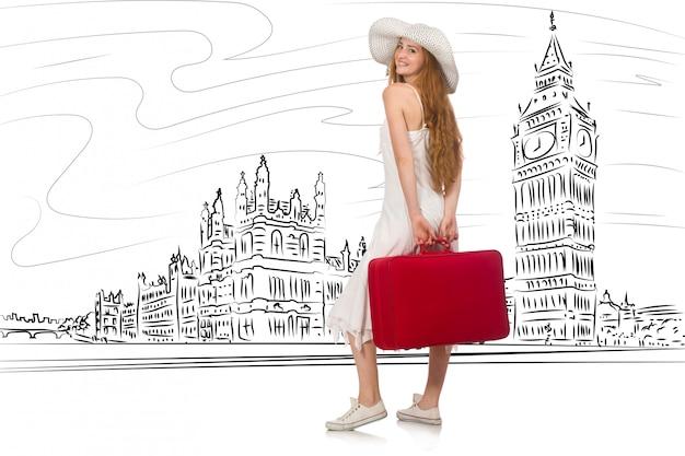 Молодая женщина едет в лондон в великобританию