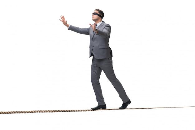 Ослепленный бизнесмен изолированный на белизне