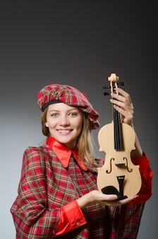 スコットランドの服の音楽的概念の女
