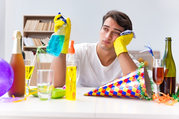 クリスマスパーティーの後、家の掃除人