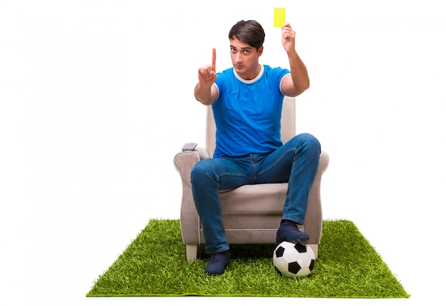 分離されたスポーツを見ている男