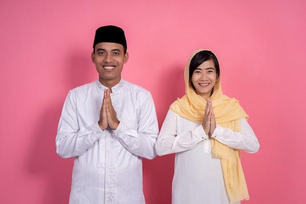 男と女のイスラム教徒の挨拶