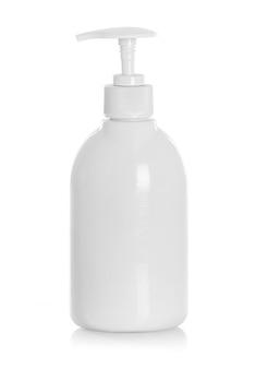 シャンプー、コンディショナー、ヘアリンスの白いチューブボトル