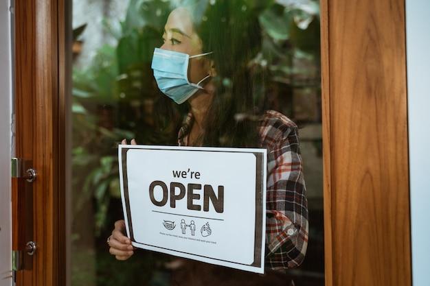 マスクを着用し、距離を保ち、手話を洗う
