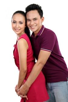 Молодая счастливая улыбающаяся пара