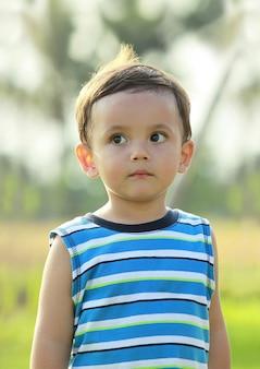 かわいい男の子の肖像画