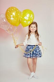 風船でファッションの女の子子供のお祝い