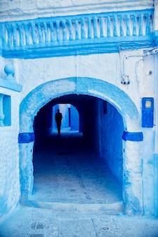 モロッコはシャウエンの青い都市です