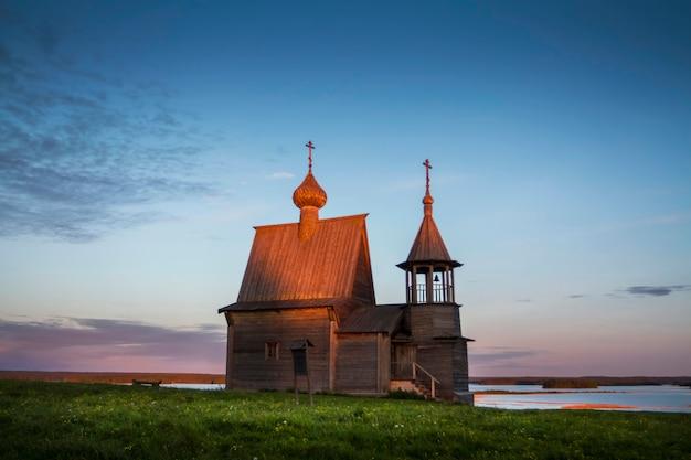 アルハンゲリスク州、聖ニコラス礼拝堂ヴェルシニーノの村。ケノゼロ国立公園
