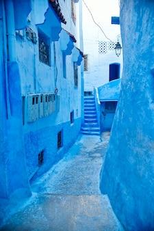 モロッコはシャウエンの青い街です