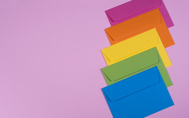 きれいな色の封筒