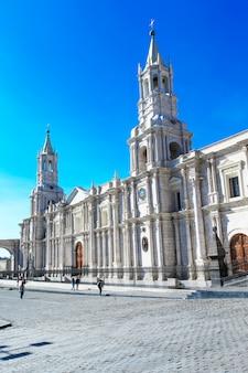 教会があるアレキパのメイン広場