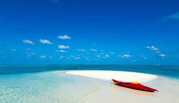 エキゾチックなビーチの背景。夏の旅行と観光、休暇の目的地の概念。