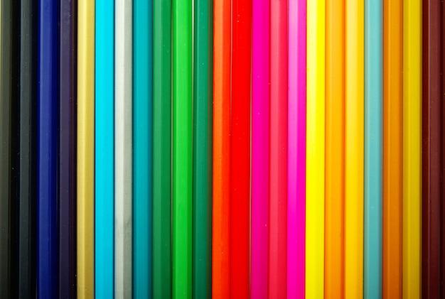 Ассортимент цветных карандашей