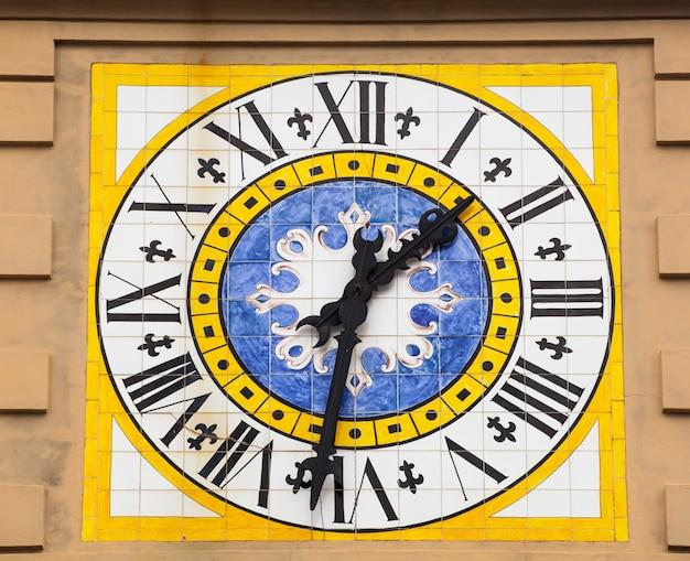 カプリ島の時計台。