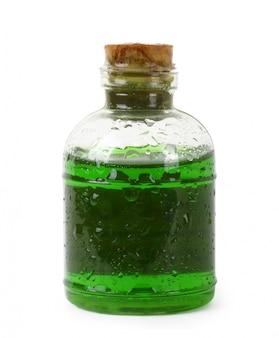 緑色の液体のボトル