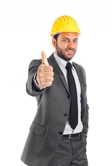 親指を立てるエンジニア