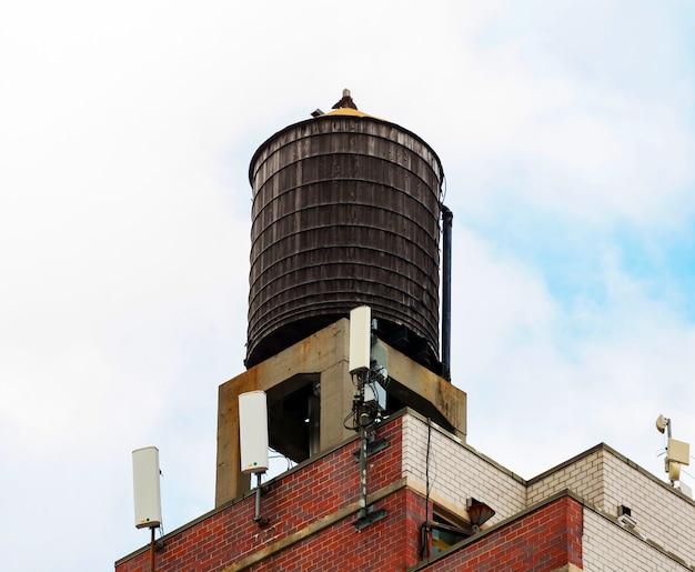ニューヨーク市の典型的な水槽