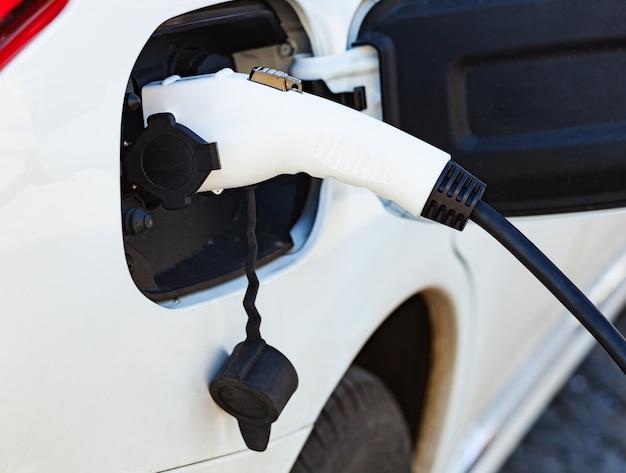 電気自動車の充電用電源です。