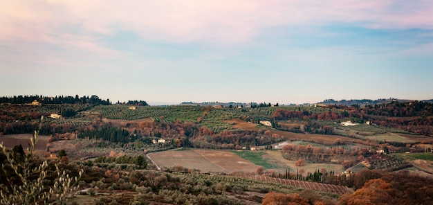 Сельская местность пейзаж холмов тосканы