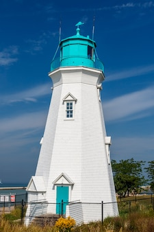 ポートダルハウジー港、オンタリオ州、カナダの美しい灯台