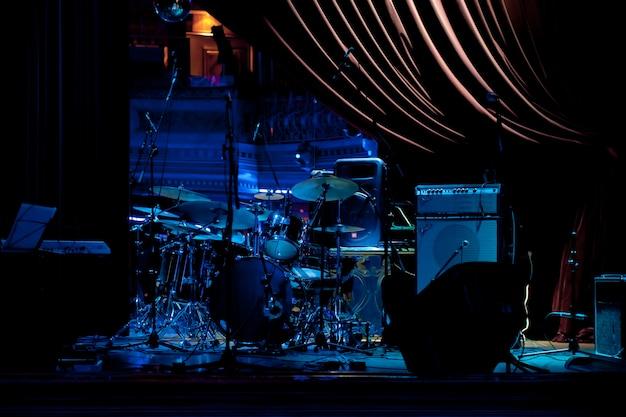 インディーポップのグループのコンサート