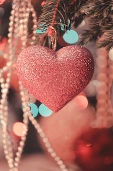 Розовое блестящее сердце