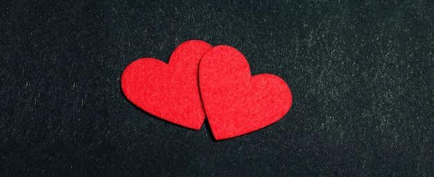 聖バレンタインコンセプト愛の黒の心でホリデーカード