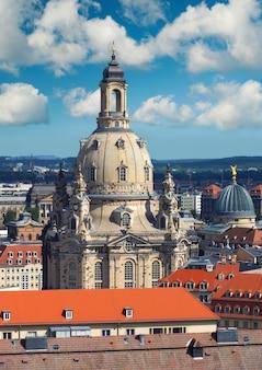 ドイツの聖母教会とドレスデンのスカイライン