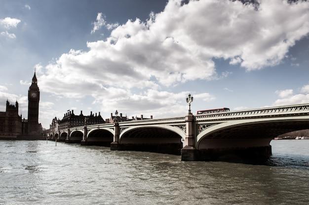 ロンドンのウェストミンステッド橋