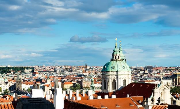 プラハ旧市街の鳥の眺め